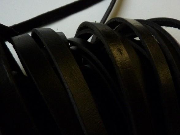 50 meter echt leren platte veter zwart van 10mm breed - AA kwaliteit - SUPERLAGE PRIJS!