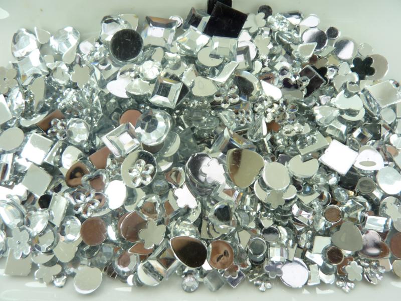 1522137- ca. 1000 stuks kunststof strass stenen mix van 5-8mm zilverkleur