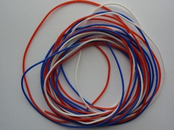 274- 3 kleuren massieve scoubidou touwtjes Hollands van 1.5mm dik