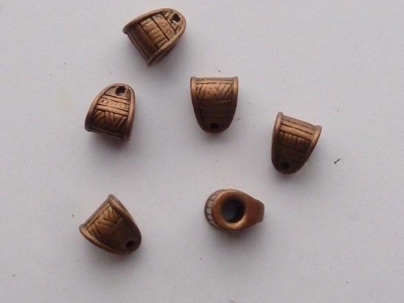 00110- 6 x metalen aanhangers 6x8mm roodkoper OPRUIMING