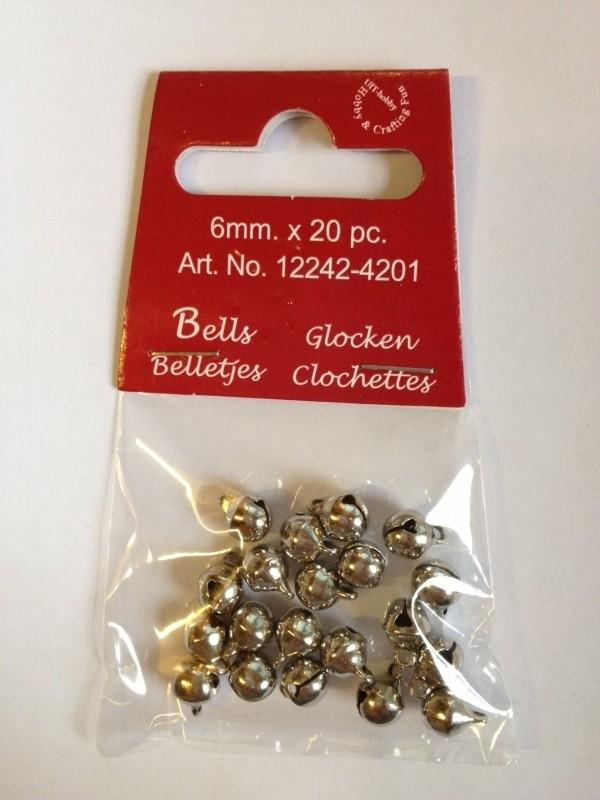 4201- 20 stuks mini kattebelletjes van 6mm zilverkleur