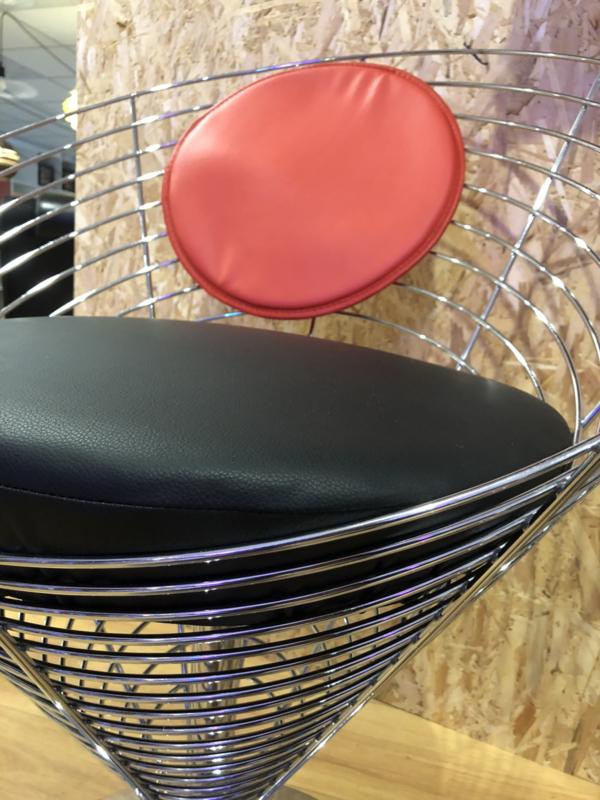 Cone wire chair gereserveerd