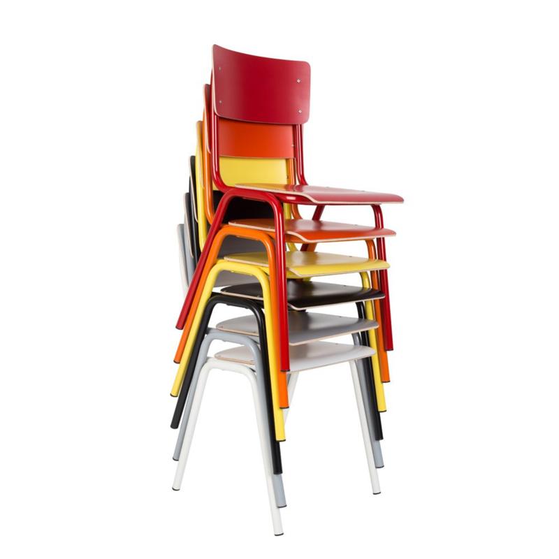 Zuiver Back to school stapelstoel