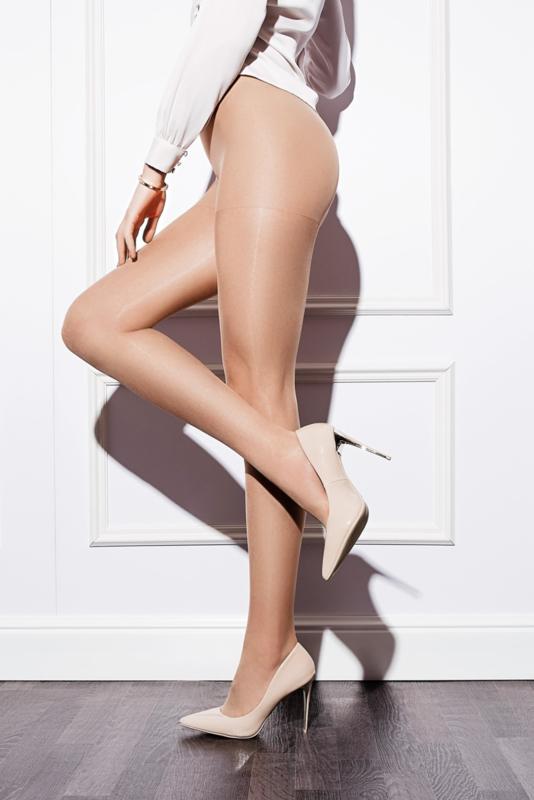 Panty Basic 15 den. zwart of huid