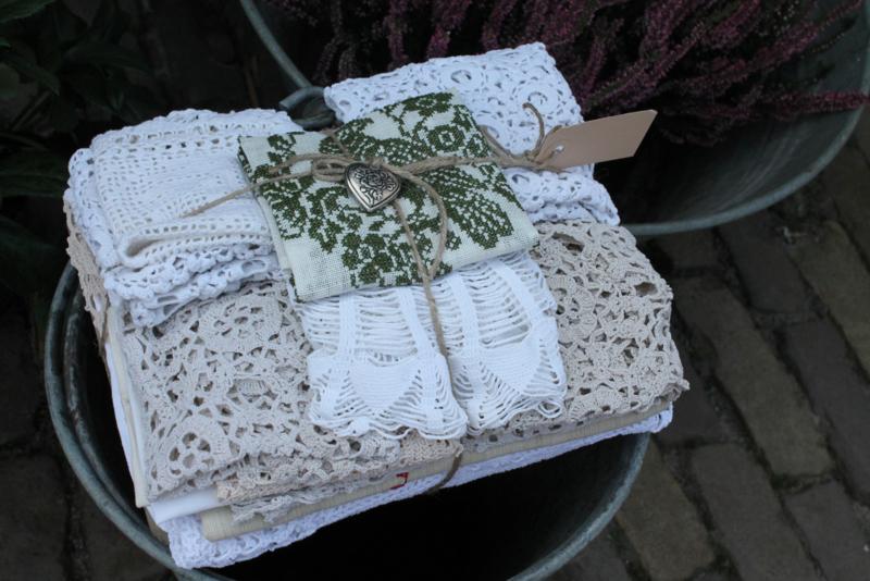 Verzameling brocant textiel