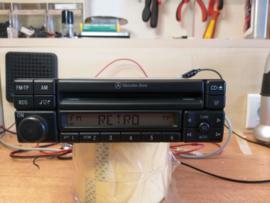 mercedes radio special cd mf2297  incl codekaart en gebruiksaanwijzing