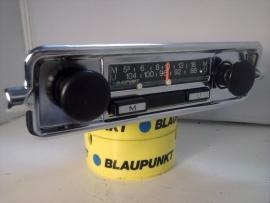 Mooie kleine 12volt  FM radio met Kever de luxe frontje