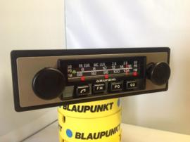 Grundig FM radio (geringe inbouwdiepte)
