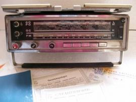 Philips radio 22 RP 463 en slede