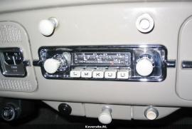 Autoradio Blaupunkt radio met speciaal frontje voor VW Kever