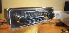 Blaupunkt FM radio met frontje voor Citroën DS en smartphone aansluiting