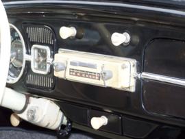 Akkord draagbare radio met speciale inbouw en frontje voor Kever Käfer Volkswagen