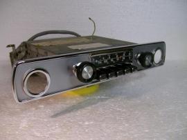 Blaupunkt Autoradio voor Peugeot 404 eind 60er jaren