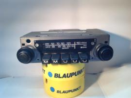 Datsun / CLARION FM radio