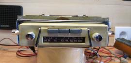 Akkord draagbare radio met speciale inbouw en frontje voor Kever