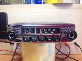 Blaupunkt FM radio met nieuwe draaiknoppen en frontje