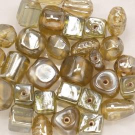 VRM02   50 gram Glaskralen mix Olivine