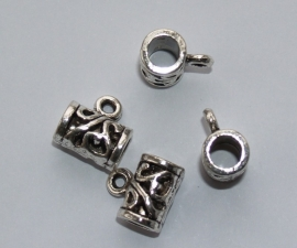MTL22   4 x  metalen kraal Buisje bewerkt met oog en groot gat 11x12mm Antiek Zilver
