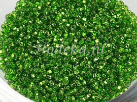 CRP11/56  12 gram Preciosa Rocailles 11/0 Groen silverlined