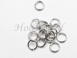 BHR15  40 RVS ringetjes 6 x 0.8mm  antiek zilver kleur