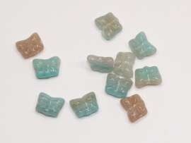 GKO02a   50 x Glaskraal Vlinder Blauw en Beige 8x10x4mm