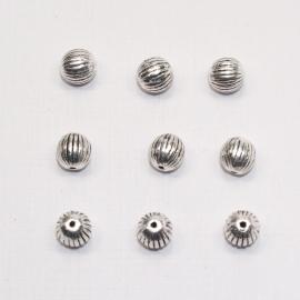 MTL10   6 x  metalen kraal Rond  7mm Antiek Zilver