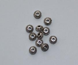 MTL24   20 x metalen basis kraal  Rondel  5 x 3 mm Antiek Zilver