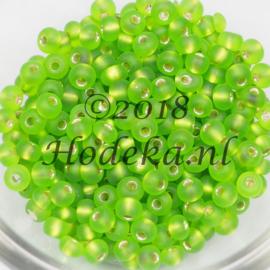 CRP06/44a  50 gram Preciosa Rocailles 6/0 Mat groen silverlined