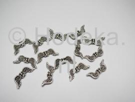 MTV11  4 x metalen Vleugel Antiek Zilver 20 x 6 mm