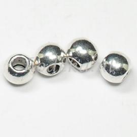 MTL84   4 x metalen kraal  Rond 9 mm Zilver
