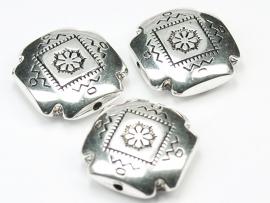 MLK11a   10 x  Metallook kraal plat vierkant 22mm antiek zilver