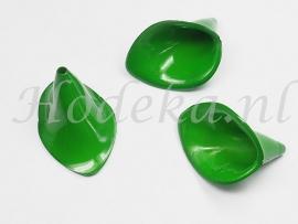 BVE64  3 x Aronskelk (bloem) Donker Groen 17x25mm