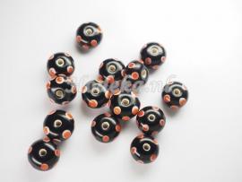 GLP11   1 x Glaskraal Rondel Zwart met Oranje stippen 7 x 11 mm