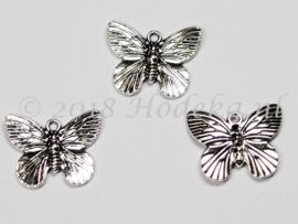 BDM22   1 x  Bedel Vlinder Antiek Zilver 18 x 15mm
