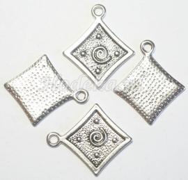BDG10  1 x Bedel Ruit  Antiek zilver 32 x 26mm