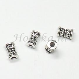 MTL68   12 x metalen kraal  7.5 x 5 mm Zilver