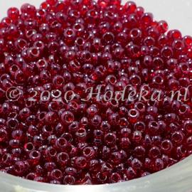 CRP11/81a  50 gram Preciosa Rocailles 11/0 Donker rood transparant