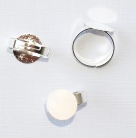 OVR01 1x ring voor om je vinger 17mm 12x12mm platinum kleur