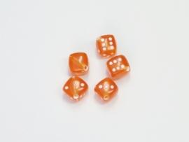 Opruiming van de DBS06 10 x dobbelsteentjes Oranje 10mm