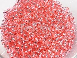 CRP10/47  12 gram Preciosa Rocailles 10/0 Zalm silverlined