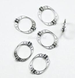 BVD05   4 x metalen verdeler antiek zilver  Ovaal ca. 20mm
