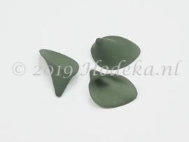 BVE102   3 x Aronskelk (bloem) Mat Donker Leger Groen 17x25mm