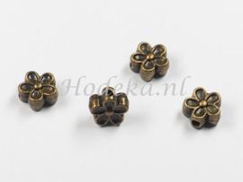 MTL95   10 x Metalen kraal bloem  7mm Brons