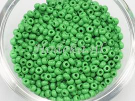 CRP08/59a  50 gram Preciosa Rocailles 8/0 Groen