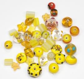 GMM15   50 gram Glaskralen mix Geel