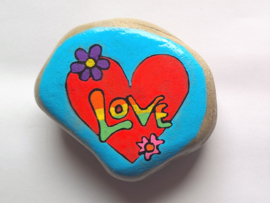 HPS05 Hand painted Happy stone by Hodeka.nl Love met hart