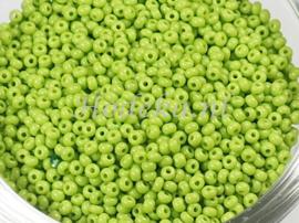 CRP11/52  12 gram Preciosa Rocailles 11/0 Lime groen