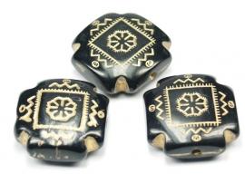 ACG04  2 x Acrylkralen plat Vierkant Zwart/Goud 22x22x8mm