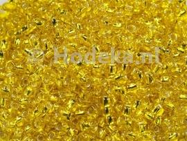 CRP08/15  12 gram Preciosa Rocailles 8/0 Geel silverlined