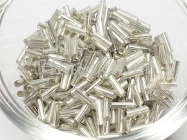 RST18 Rocailles staafjes grijs met zilveren kern ca 6mm 12 gram